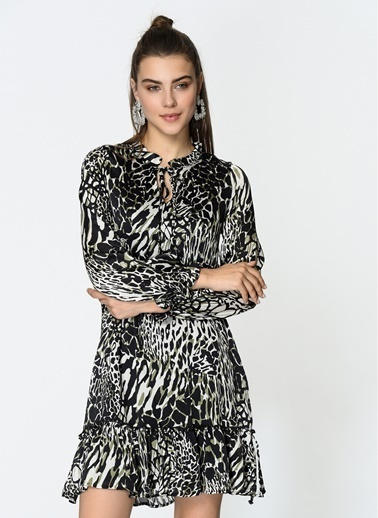 Loves You Beli Büzgülü Eteği Volanlı Kısa Şifon Elbise Siyah
